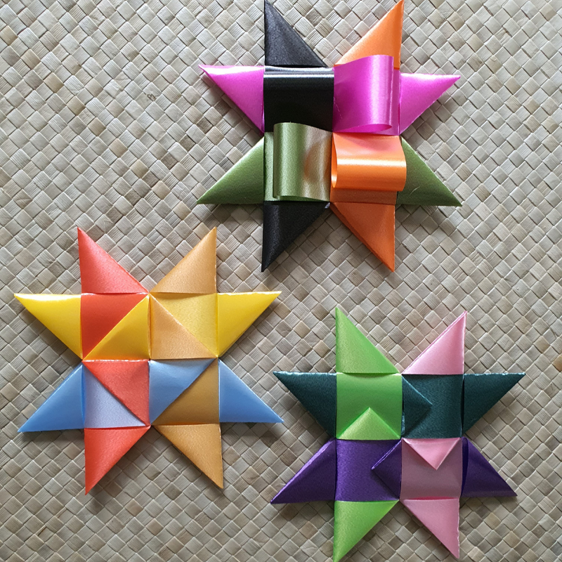 3 weaving techniques to finish your 8 pointed star.