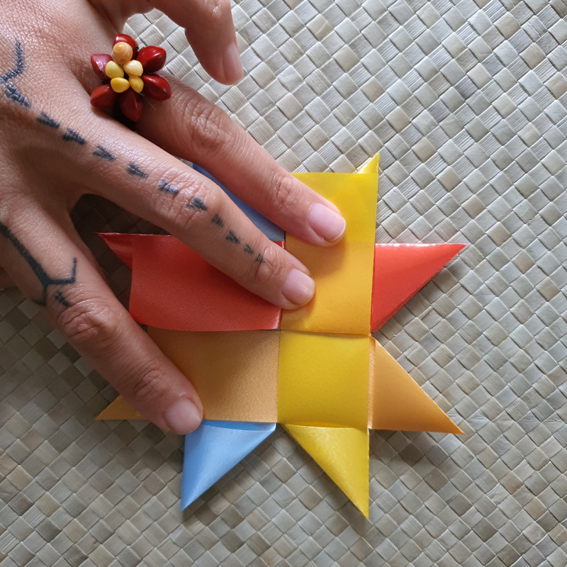 3 ways to finish your woven star